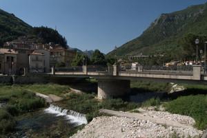 Antrodoco (RI): ponte in via Luigi Mannetti