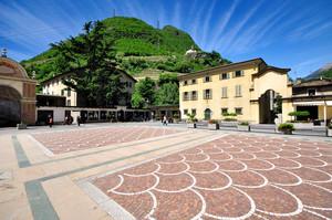 Piazza della Basilica 2