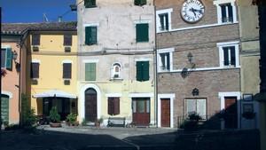 piazza di Camerata Picena dedicata ai caduti di guerra