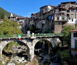 """ Ingresso al Borgo """