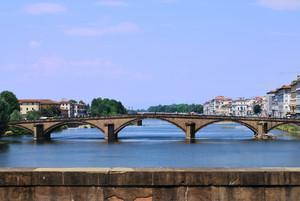 Sull'Arno azzurro!
