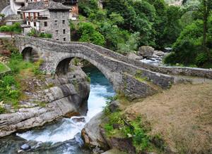 Ponte sul torrente Ayasse