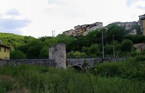 Ponte romano sul fiume Aterno