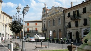 Piazza Roma e il suo teatro