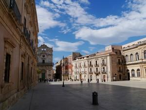 Il cielo in una…piazza