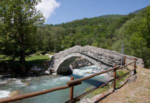 Ponte romanico a Vervaz