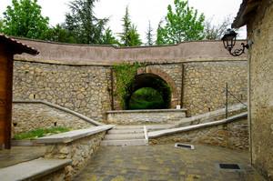 Piccolo ponte nel paese