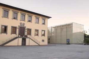 Piazza del Comune – Palazzo di vetro della Fondazione Lazzareschi