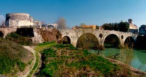 Ponte Vecchio Romano sul fiume Volturno