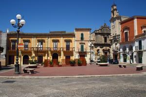 Mezzogiorno in Piazza Garibaldi