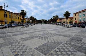 Piazza G. Menconi