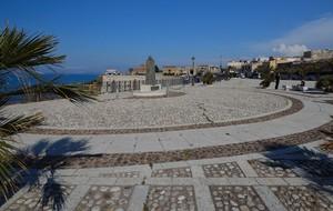 Piazzetta sul mare