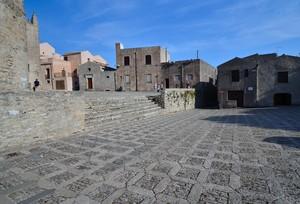 Erice – Piazza Madrice