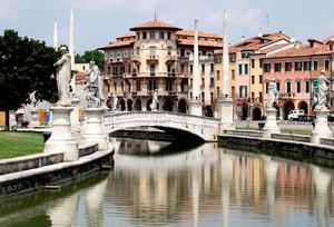 Un ponte a Prato della Valle