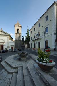 La piazza principale di Carovilli