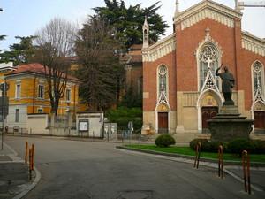 Piazza Achille Grandi