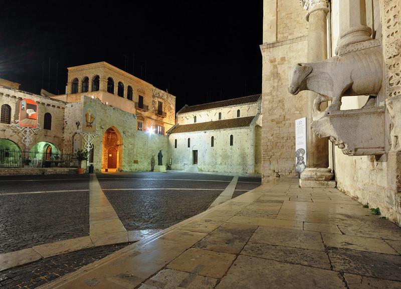 ''il bue in Piazza'' - Bari