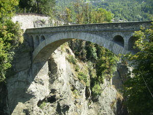 Ponte Introd