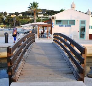 Ponte del porto turistico