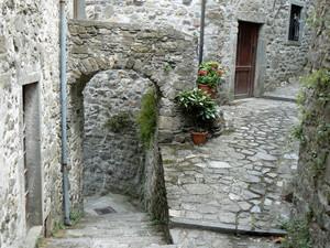 nel Borgo medievale del castello