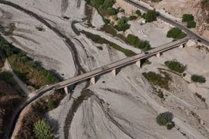 Il ponte sulla fiumara dell'Amendolea