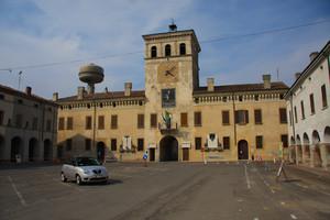 Piazza Finzi