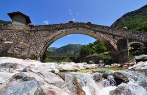 Ponte medioevale di Lillianes