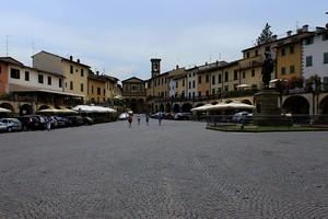 La piazza di Greve in Chianti