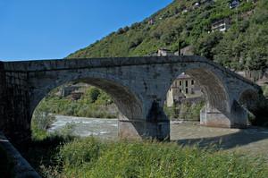 Ponte di Ganda lungo l'Adda