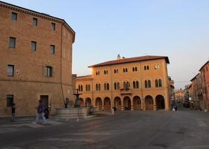 Piazza Perticari