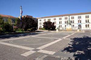Il vasto e monumentale Piazzale Italia