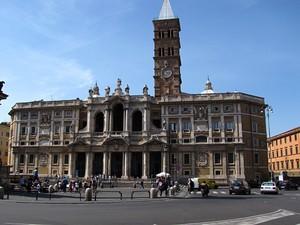 Una piazza di Roma
