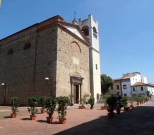 In piazza a Chiesina