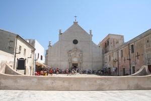 Isola San Nicola, Piazza Vittorio Emanuele
