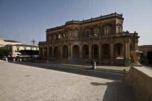 Piazza Municipio.