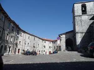 Dentro le mura del castello