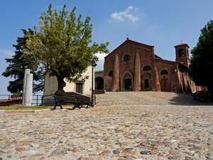 La piazza e l'abbazia…