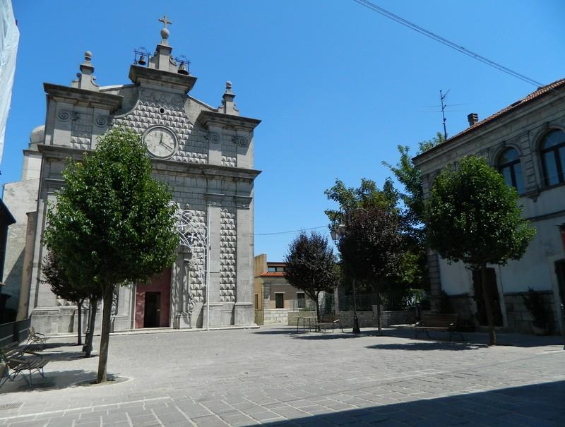 ''Piazza Regina Margherita'' - Monteleone di Puglia
