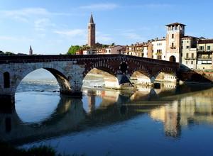 …un altra foto di ponte Pietra