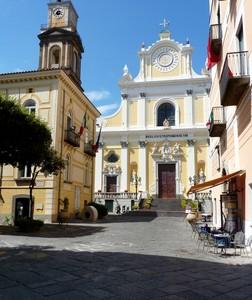 Davanti a Santa Trofimena