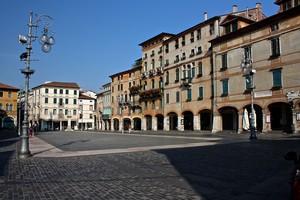 piazza, piazzetta d'agosto…