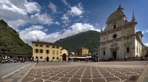 Una piazza degna del Santuario