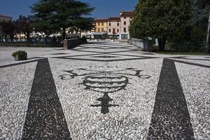 stemma in piazza
