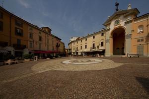 Moncalvo : Piazza Garibaldi