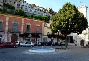 """"""" Un tenue odore di clorofilla """" – Piazza Margherita – Presenzano ( Caserta )"""
