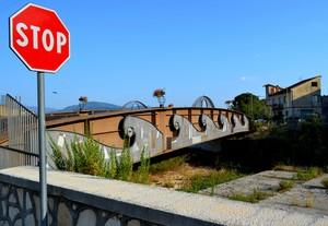 """"""" E…l'acqua, rispettosa, si fermò ! """" -The bridge of Pozzilli, ponte sulla Rava."""
