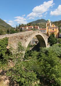 Antico ponte sull'Argentina a monte di Badalucco