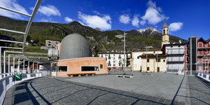 Una piazza panoramica in Valmalenco