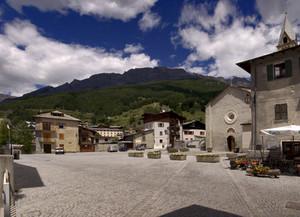 La Piazza della Chiesa del  SS Crocefisso