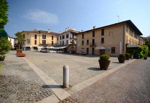 Piazza De Cristoforis